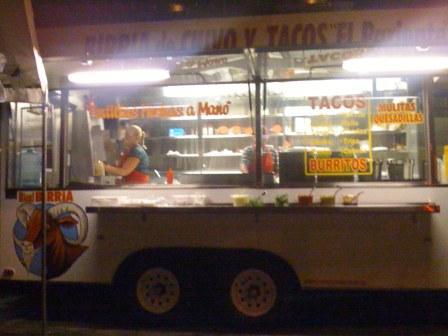 Tacos y Birria El Pariente